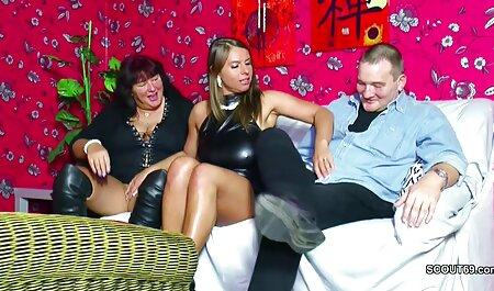 Careca Major fazendo sexo anal pornô grátis amador brasileiro com Peitos grandes bunda na piscina