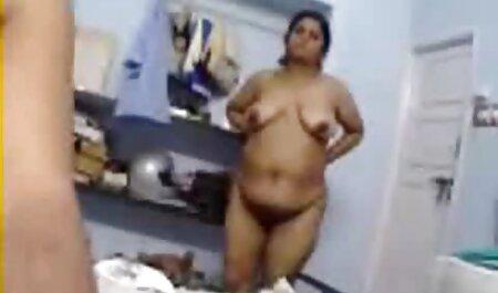 Chico estava gravando prostitutas locais com câmeras sexo amador na escola escondidas