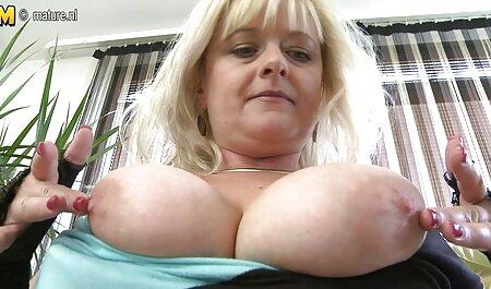Caotic esmagamento anal amadoras Peitos grandes entre os peitos e bunda