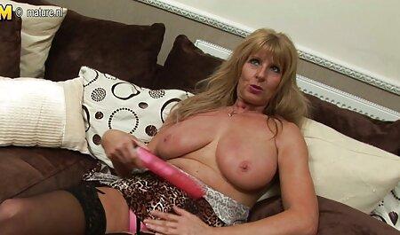 Puta Vanessa dá um video amador sexo homem no ânus